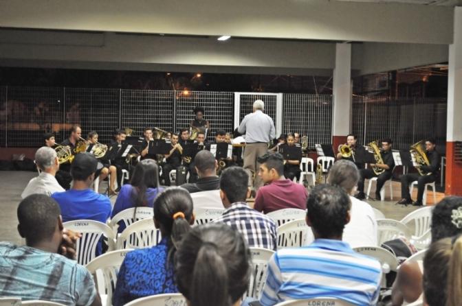 Banda Marcial de Cubatão realiza concerto didático em SV