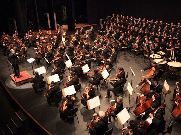 Banda Sinfônica Estadual e Orquestra Sinfônica tocam em Santos