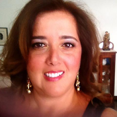 Gisele Afeche publica 'Amar… Simplesmente… Vida'
