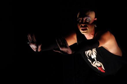 'Dama da Noite' sobe ao palco do Sesc-Santos