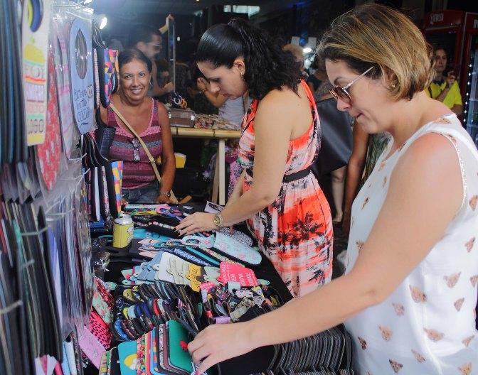 Bazar Cafofo de Verão acontece neste domingo 18, no Espaço Cassino