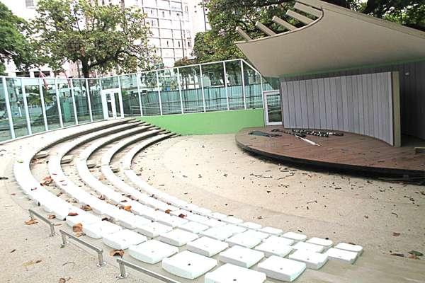 Concha Acústica abriga rock, MPB e teatro