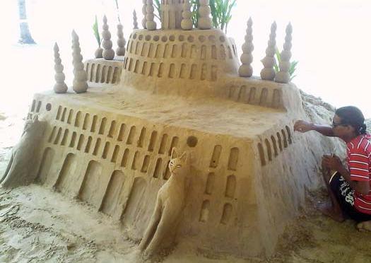 Exposição de esculturas de areia chega a Praia Grande