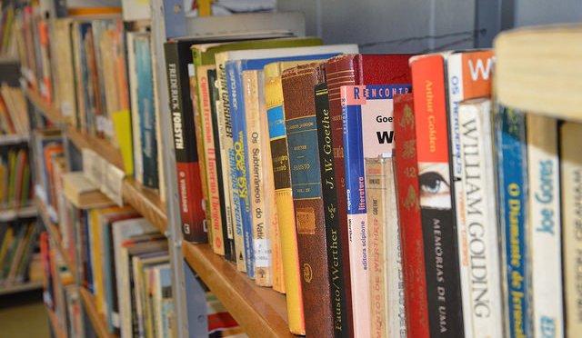 Exposição, palestra e livros presentes na Sala Harry Forssell em Itanhaém