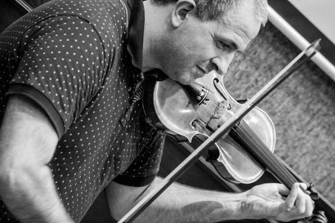 Violinista italiano é o solista convidado da Sinfônica de Santos