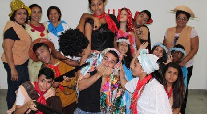 Grupo de teatro da Adesaf participa do 19º Fescete