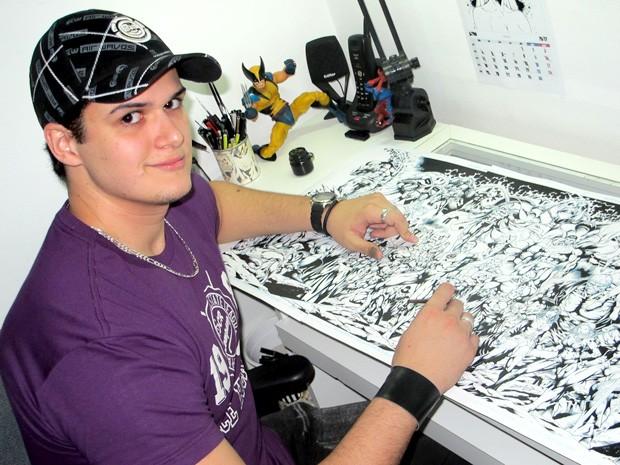 Oficina ensina a desenhar anatomia dos super-heróis em Santos