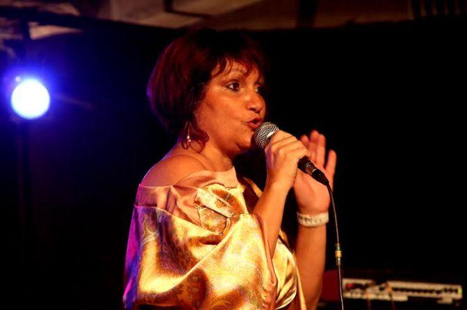 Nadja Soares canta Ademir Soares no projeto Quintas Autorais