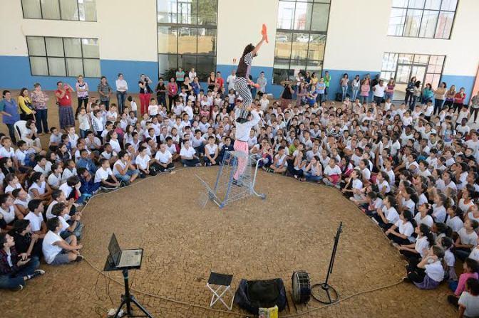 Festival Nacional de Teatro de Limeira anima crianças