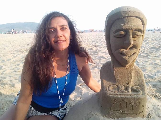 Aprenda a fazer esculturas em areia na Praia do Gonzaga
