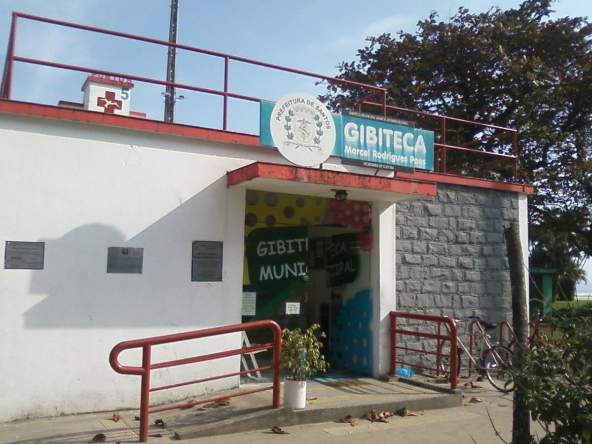 Gibiteca tem exposição de cartuns e teatro neste dia7
