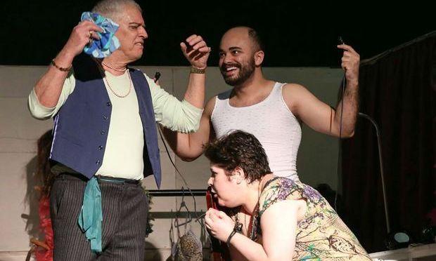 Cia Aplauso e 'Abajur Lilás' reabrem Teatro Braz Cubas nesta semana