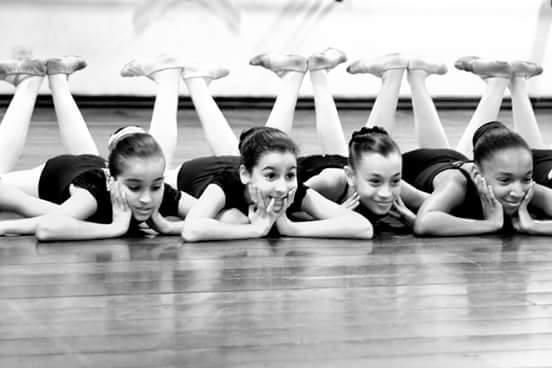 Escola de Bailado encerra o ano com apresentações no Coliseu