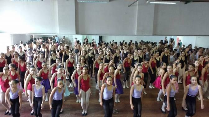 Escola Livre de Dança apresenta 'O Quebra Nozes' no Sesc