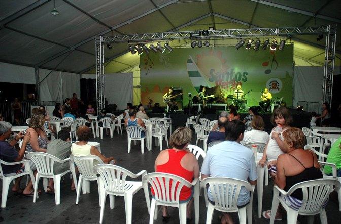 Bailes e matinês de Carnaval encerram a programação das Tendas de Verão