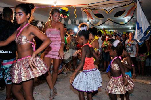 Estação Verão de PG terá bailes de carnaval a partir desta sexta