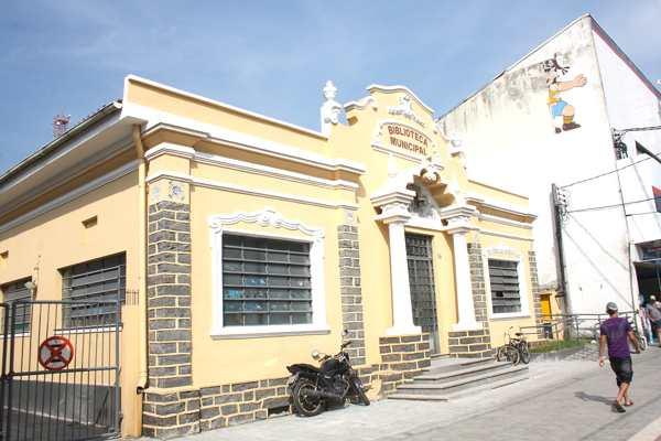 Biblioteca Central de Cubatão deve ser reaberta em março