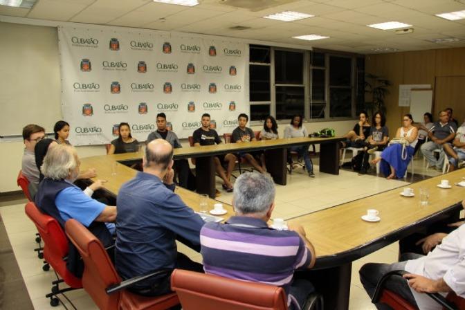 Teatro Municipal de Cubatão deve retornar às mãos da Cultura