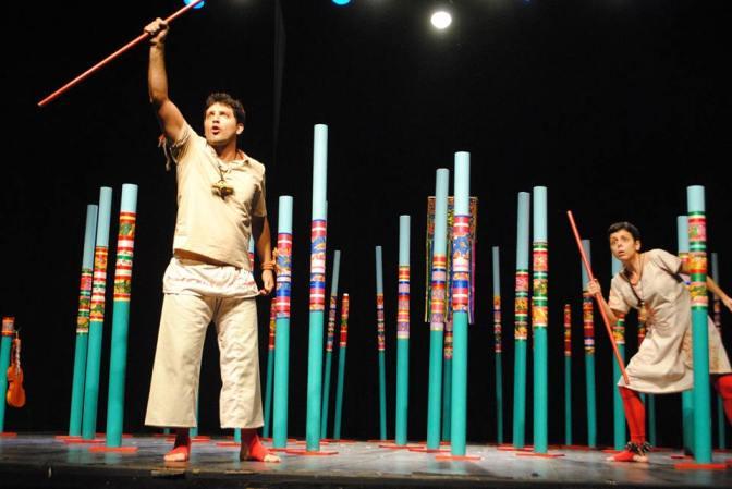 'Marulhos' é encenado nesta sexta-feira no Teatro Braz Cubas