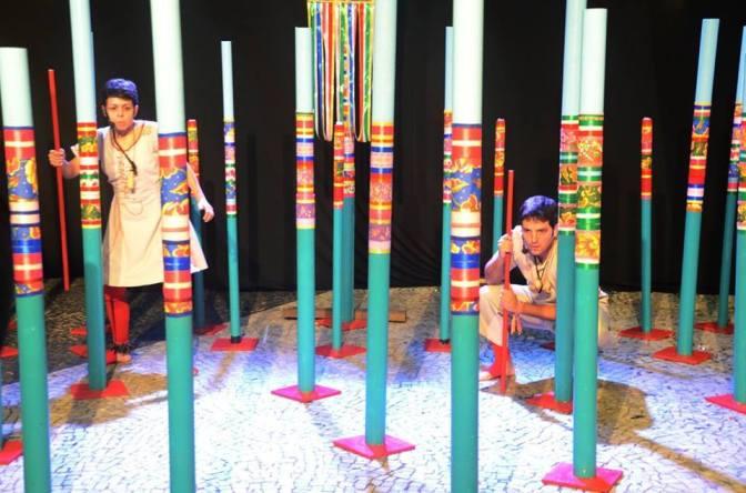 Opinião: O teatro documental 'Marulhos' como um reduto de um litoral inteiro