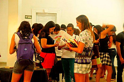 Agenda cultural: Feira de troca de livros é destaque em PG