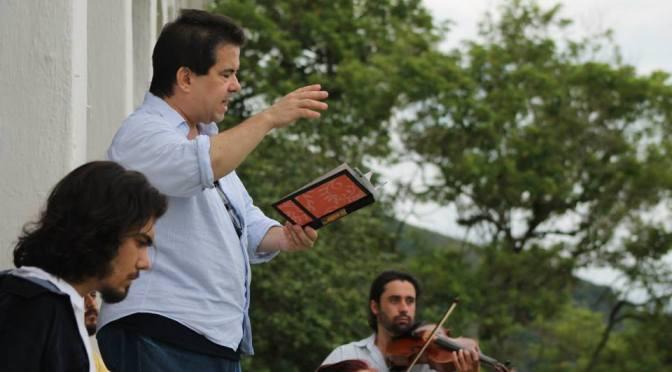 Flávio Viegas Amoreira lança 'Desaforismos & Tramas de Metrô' nesta sexta