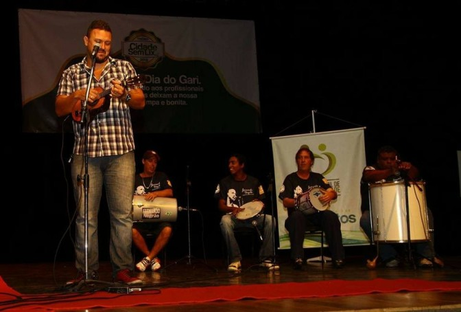 Fernando Negrão se apresenta neste sábado na Concha Acústica