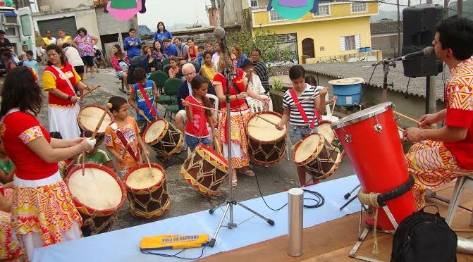 Quiloa apresenta o maracatu para jovens e crianças no São Bento