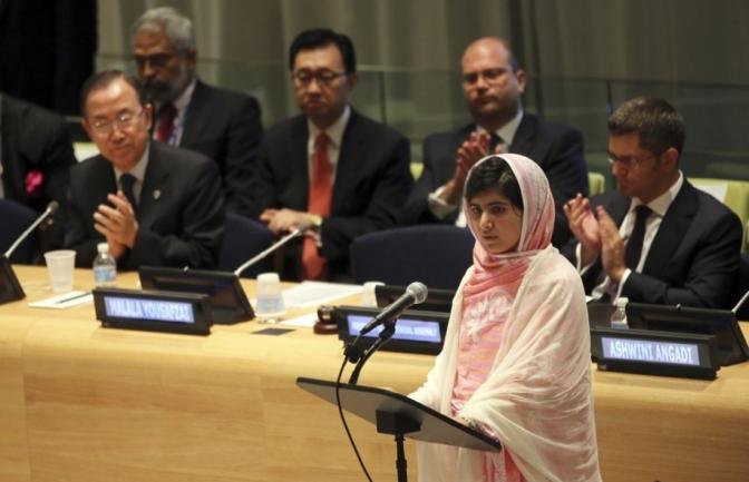 Clube Leia Mulheres em Santos apresenta 'Malala, a menina que queria ir para a escola'