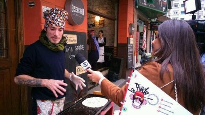 Food bikes e música ao vivo reunidos na Casa Velha de Santos