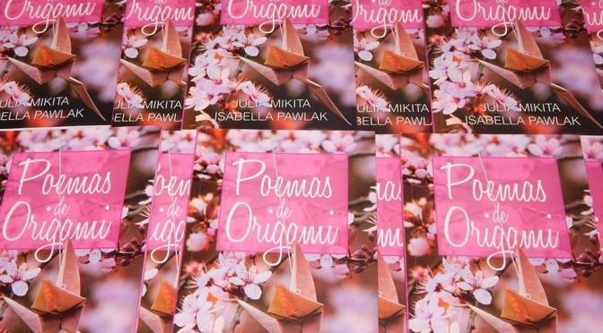 Sessão de autógrafos 'Poemas de Origami' na 6ª Fama em Guarujá