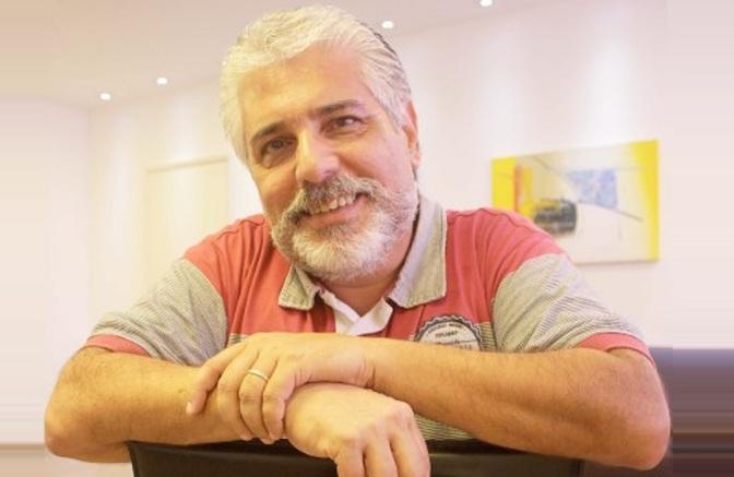 De Carlos Ratton, livro 'Contra a Maré' é lançado na Pinacoteca de Santos