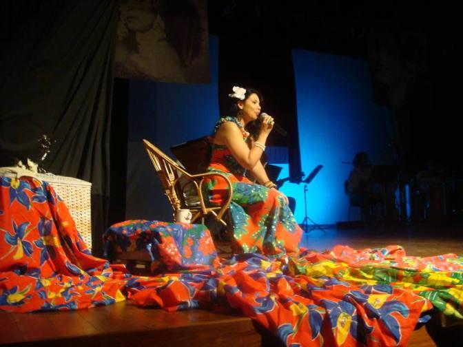 Simone Ancelmo dá o tom de samba na feijoada da Casa Velha