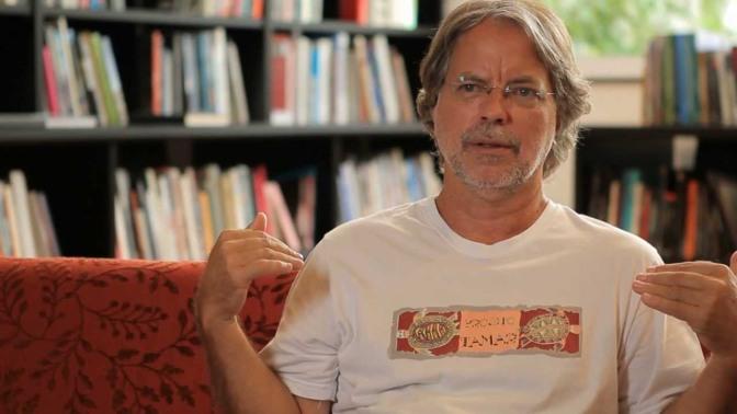 Mia Couto é homenageado em sarau poético em Santos