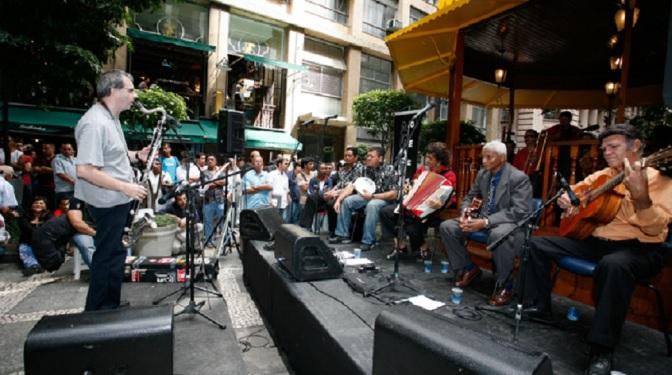 Orquestra de Músicos das Ruas de SP dão o tom em Santos