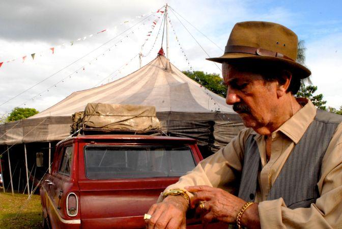 Projeto Cinesolar apresenta filmes gratuitos a céu aberto em Cubatão