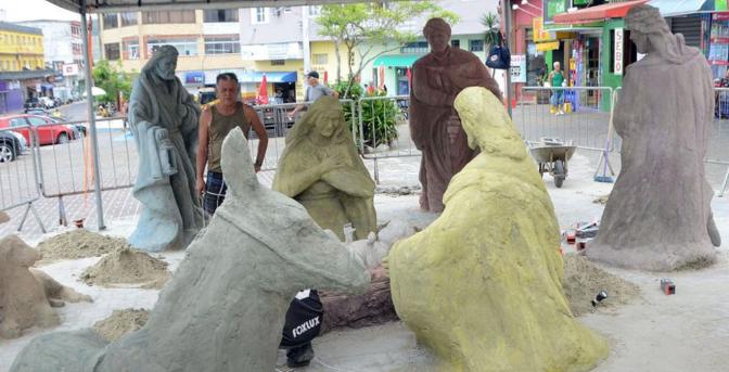 Itanhaém tem presépio na Praça Carlos Botelho neste verão