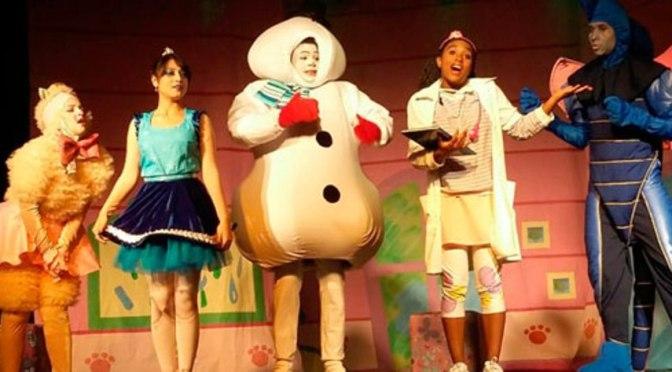 Teatro Serafim Gonzalez recebe espetáculo Doutora Brinquedos