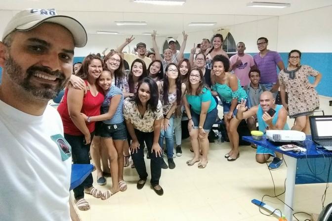 Julimar Gomes expõe trabalhos de oficina de fotografia no Anilinas