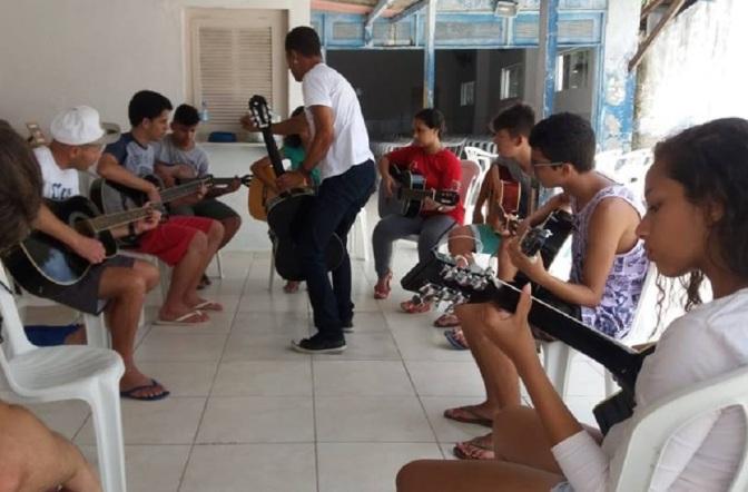 Em Guarujá, alunos de cursos da Secult apresentam seus trabalhos