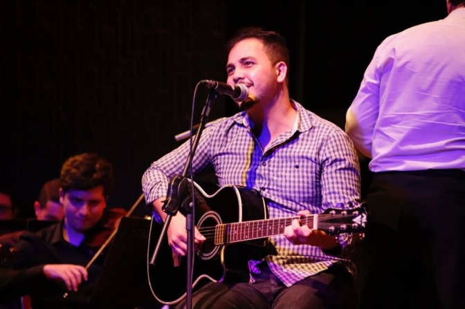 Tiago Portto vence Festival de Música Autoral de Guarujá