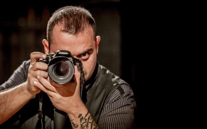 Dino Menezes lança o livro de crônicas 'Pra quem acredita em fantasmas'