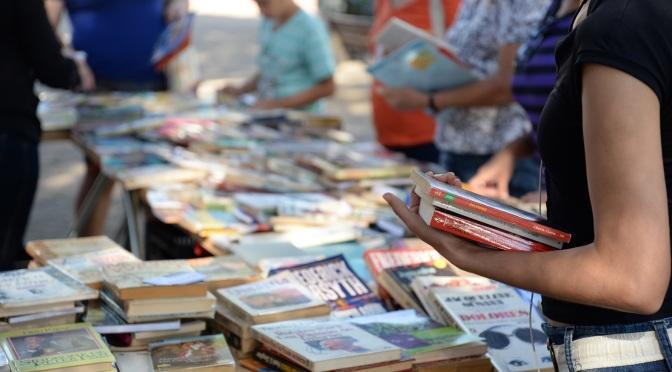 Feira de Troca de Livros volta ao Palácio das Artes no dia 23