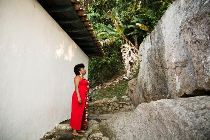 #ManufaturaDeMonólogos: Retratos de mulheres negras em 'Lágrima de Laura'