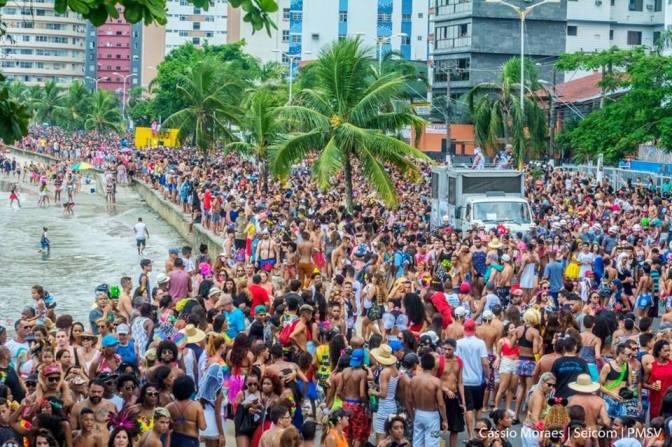 Alegria, irreverência e 50 mil foliões no Gonzaguinha; veja agenda de carnaval de SV